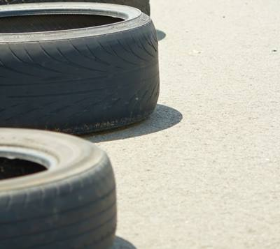 キャンピングカーのタイヤは危ない!?知らないと大事故に繋がる重要点