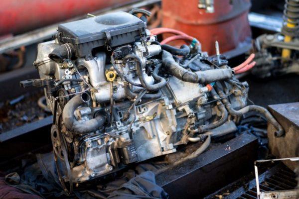 キャンピングカーのエンジン!ガソリンとディーゼルの違いを詳しく解説!
