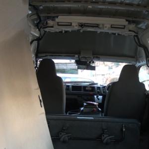 自作キャンピングカーへ向け私が行ったハイエースの内張りの外し方‼